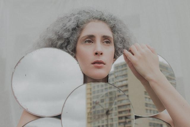 grijze haren, liefde en relaties
